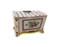 II-6034 French Faience Bouquetiere
