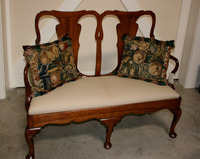 III-823 18th Century Queen Ann Walnut Settee