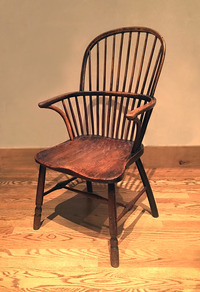 III-05-79 18th Century Windsor Chair of Elm, Yew, Walnut and Ash